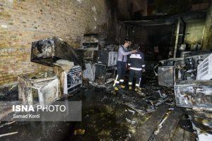 آتش سوزی در انبار لوازم خانگی در کرج
